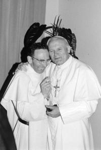 Jean Paul II et p MD Philippe, 1981